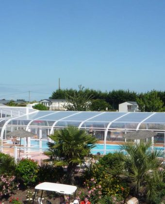 the swimming pool at the 3 star campsite in st malo camping la fontaine. Black Bedroom Furniture Sets. Home Design Ideas